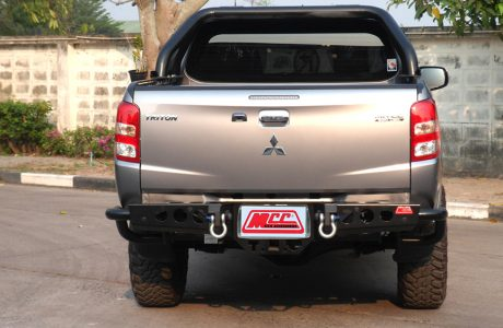 MCC022-03 Jack rear bar MQ Triton (1)