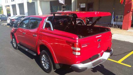 MQ-TRITON-2-STAGE-LID-WITH-ROLL-BARS-RED-5