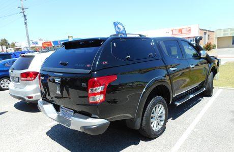 Mitsubishi Triton a